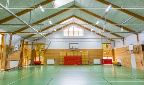 LED i Juringe Skolans idrottshall och matsal